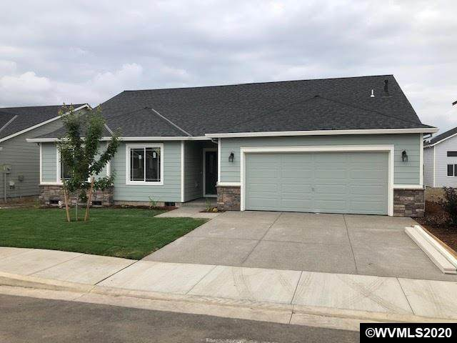 715 Stewart Dr, Molalla, OR 97038 (MLS #764112) :: Sue Long Realty Group