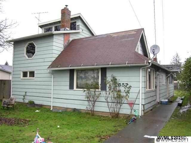 557 W Morton St, Lebanon, OR 97355 (MLS #772748) :: Song Real Estate
