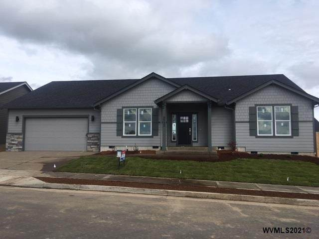 239 NE Pine St, Sublimity, OR 97385 (MLS #772781) :: Sue Long Realty Group