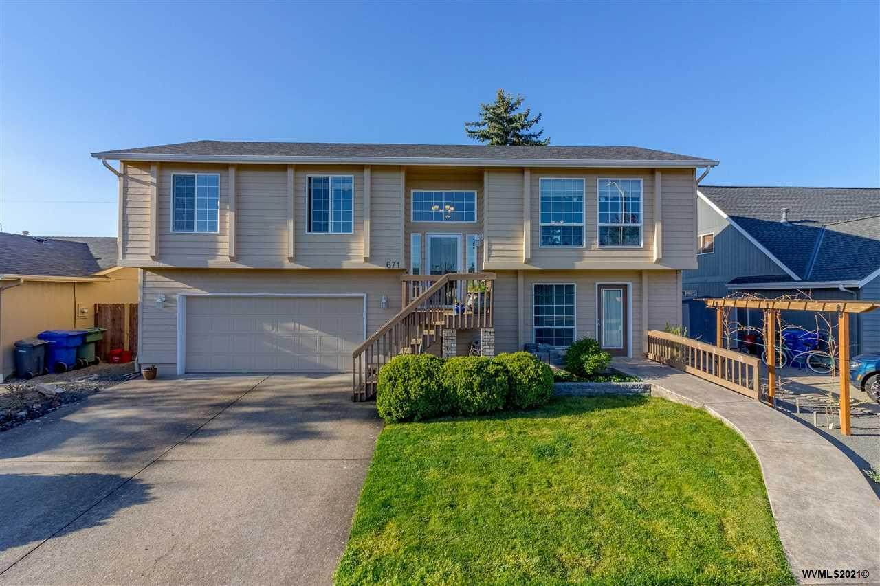 671 Cater Dr - Photo 1
