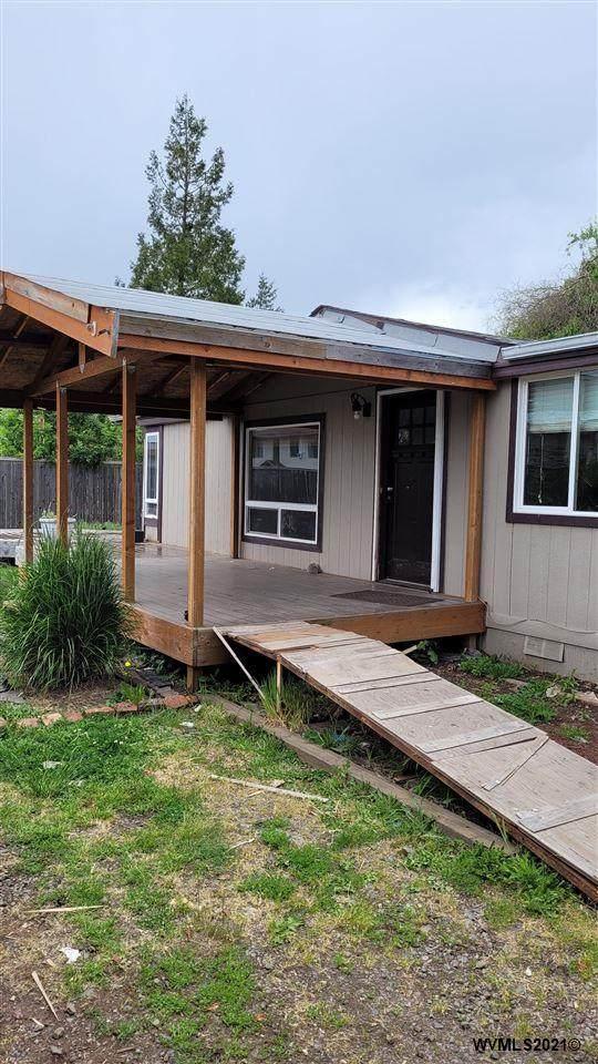 3555 Stortz Av NE, Salem, OR 97305 (MLS #777931) :: Song Real Estate