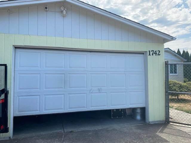 1742 12H Av SE, Albany, OR 97322 (MLS #781357) :: Premiere Property Group LLC