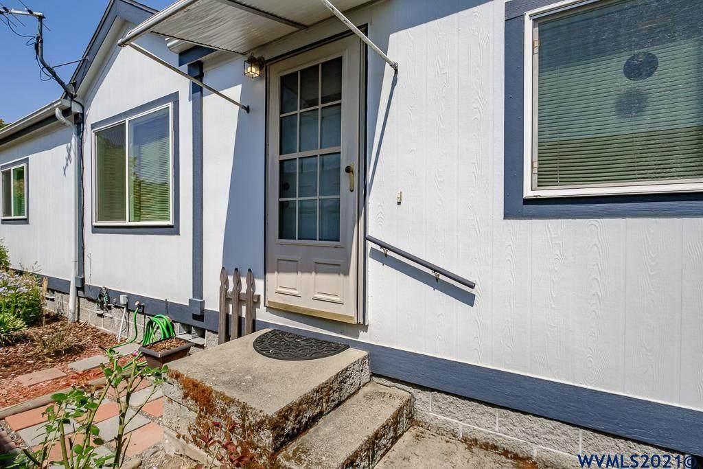 3200 Oak Terrace, Space 19 Dr - Photo 1