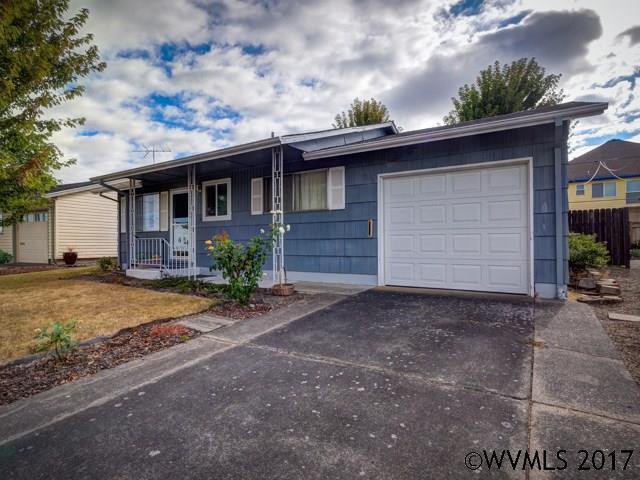1620 Astor Wy, Woodburn, OR 97071 (MLS #723403) :: HomeSmart Realty Group