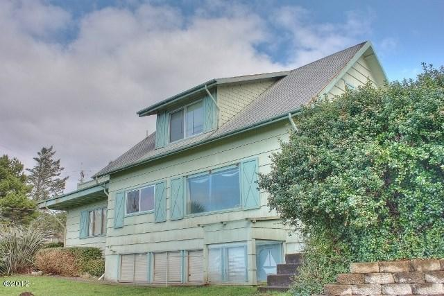 5298 NW 53rd St, Lincoln City, OR 97367 (MLS #726856) :: HomeSmart Realty Group