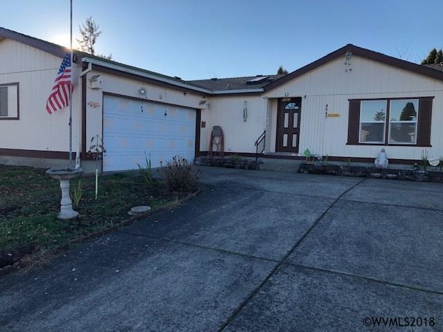 4043 Vernon St NE, Salem, OR 97305 (MLS #742239) :: HomeSmart Realty Group