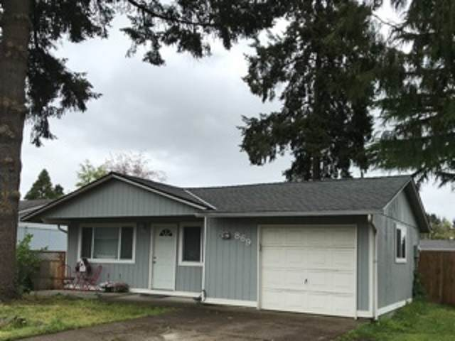 869 54th Pl, Springfield, OR 97478 (MLS #761442) :: Hildebrand Real Estate Group