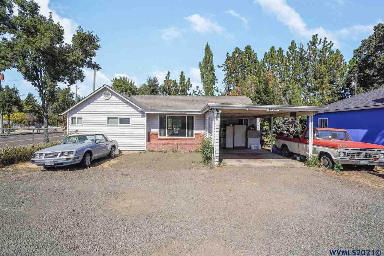 3705 Knox Butte Rd - Photo 1