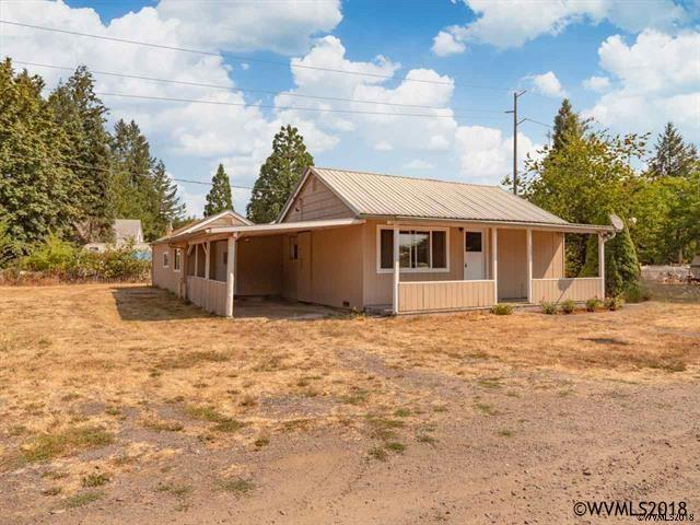 1126 Spruce St, Sweet Home, OR 97386 (MLS #741572) :: HomeSmart Realty Group
