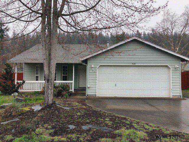 1135 S Water St, Silverton, OR 97381 (MLS #774398) :: The Beem Team LLC