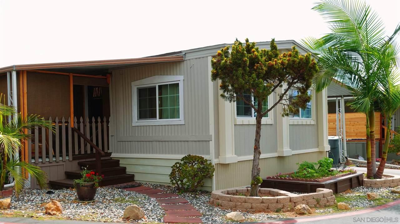 1333 Olive Ave - Photo 1