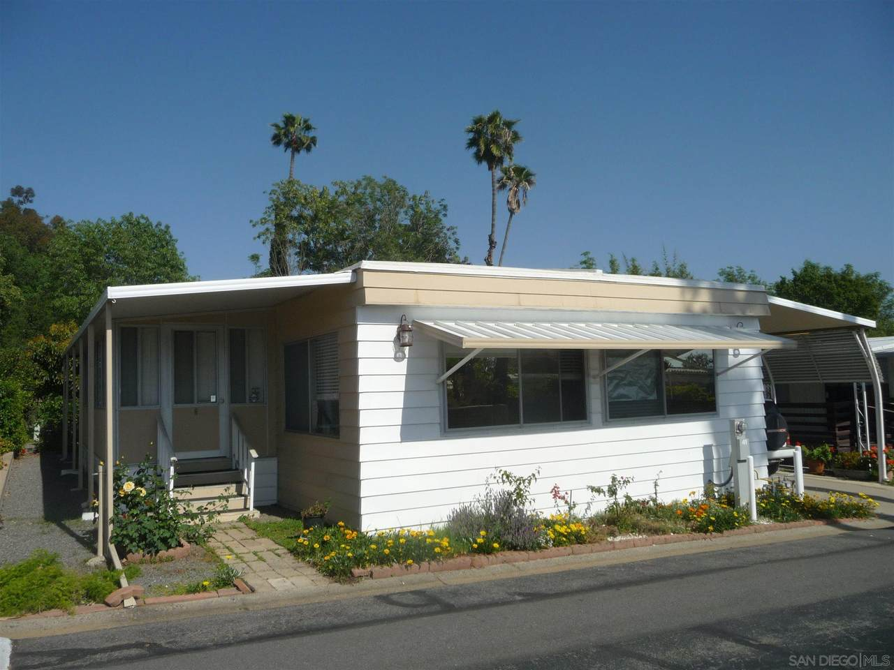 1120 East Mission Rd - Photo 1