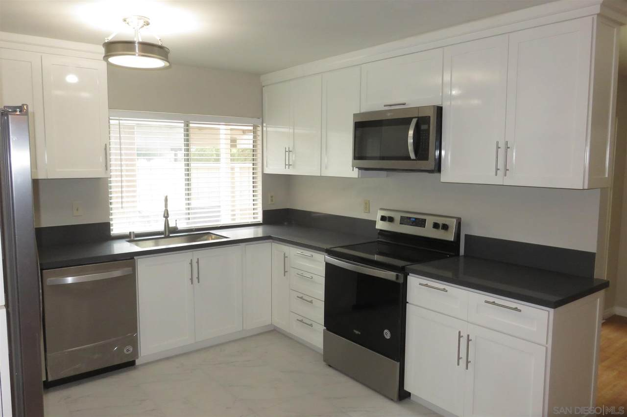 9526 Easter Way - Photo 1