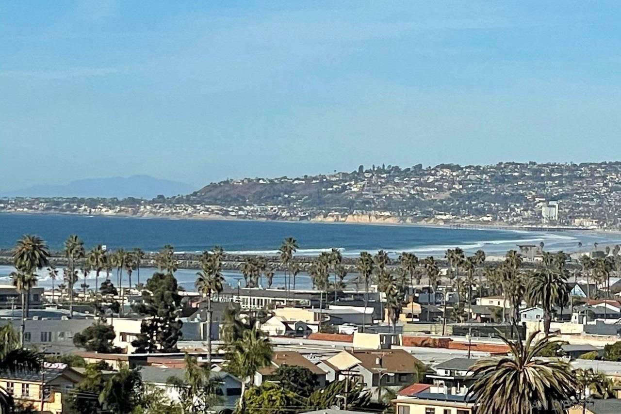 4763 Santa Cruz Avenue - Photo 1