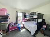 4019 Winona Ave - Photo 19