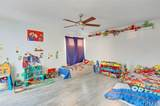 15080 Victory Boulevard - Photo 22