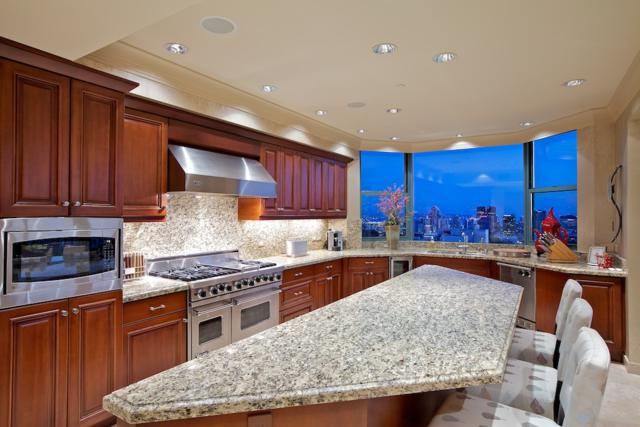 2500 6th Avenue Penthouse 7, San Diego, CA 92103 (#180023118) :: Neuman & Neuman Real Estate Inc.