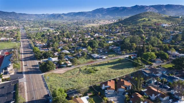 1600 N Broadway Ave #4, Escondido, CA 92026 (#170023704) :: The Yarbrough Group