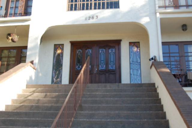 1263 Robinson Ave #18, San Diego, CA 92103 (#170032190) :: Whissel Realty