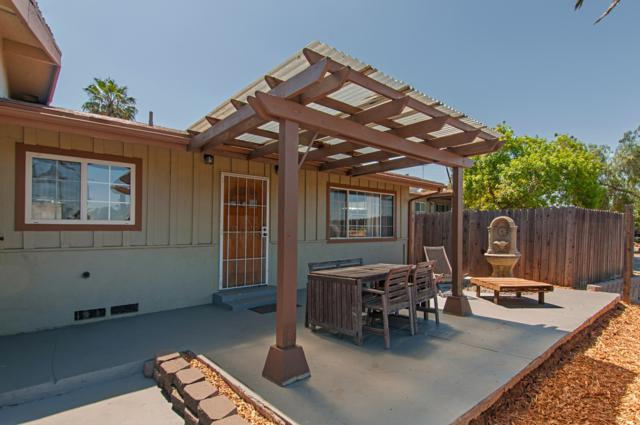 2171 Helix St, Spring Valley, CA 91977 (#170032416) :: Teles Properties - Ruth Pugh Group