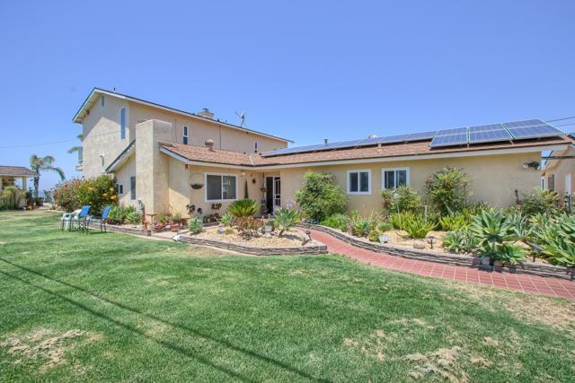 8150 Sterling Drive, El Cajon, CA 92021 (#170033272) :: Neuman & Neuman Real Estate Inc.