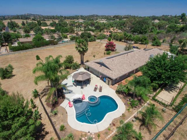 30822 Ranch Creek Rd, Valley Center, CA 92082 (#170037173) :: Coldwell Banker Residential Brokerage