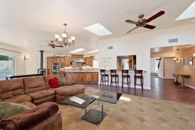 14934 La Manda, Poway, CA 92064 (#170037894) :: Coldwell Banker Residential Brokerage