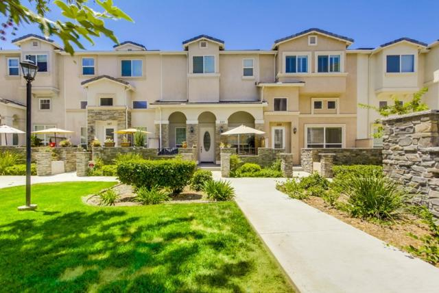 339 Connecticut Ave, El Cajon, CA 92020 (#170039596) :: Whissel Realty
