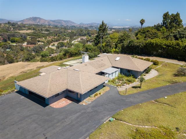 5476 La Crescenta, Rancho Santa Fe, CA 92067 (#170044428) :: Coldwell Banker Residential Brokerage
