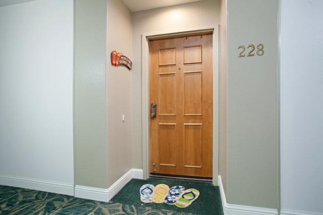 5665 Friars Rd #228, San Diego, CA 92110 (#170048233) :: Coldwell Banker Residential Brokerage