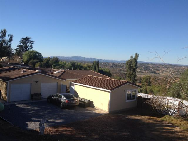 6475 W Lilac, Bonsall, CA 92003 (#170048245) :: Coldwell Banker Residential Brokerage