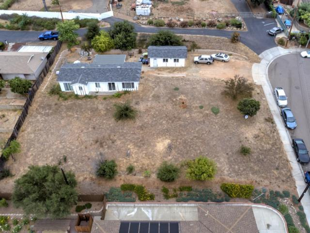 150 Trellis Ln #00, Escondido, CA 92026 (#170048958) :: Carrington Real Estate Services