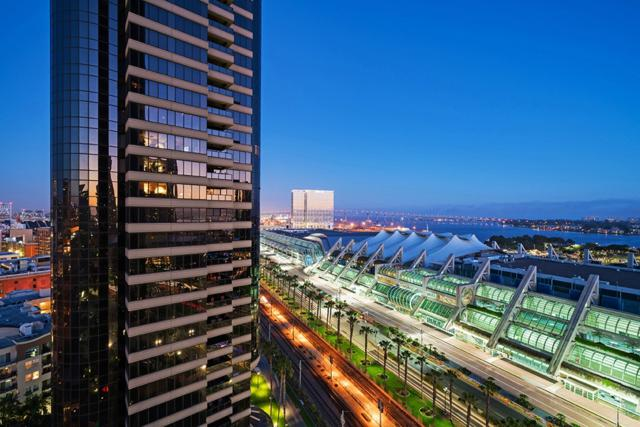 100 Harbor Drive #1806, San Diego, CA 92101 (#170049974) :: Welcome to San Diego Real Estate