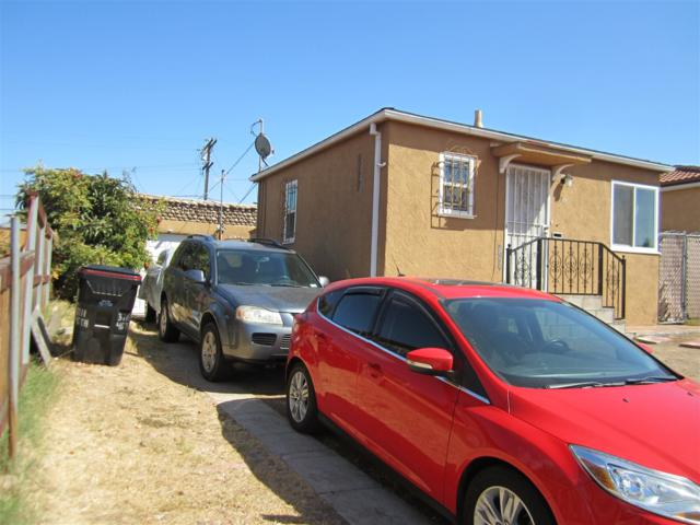 3711 46th Street, San Diego, CA 92105 (#170050233) :: Welcome to San Diego Real Estate