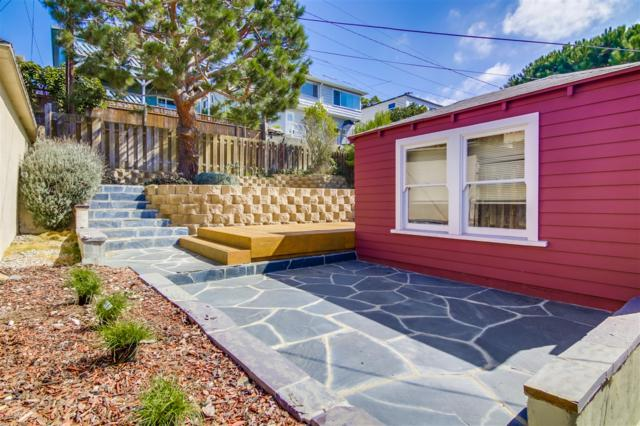 3526 Poe Street, San Diego, CA 92106 (#170053541) :: PacifiCal Realty Group