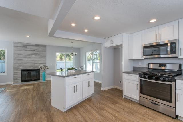 154 S 45th St, San Diego, CA 92113 (#170053967) :: PacifiCal Realty Group