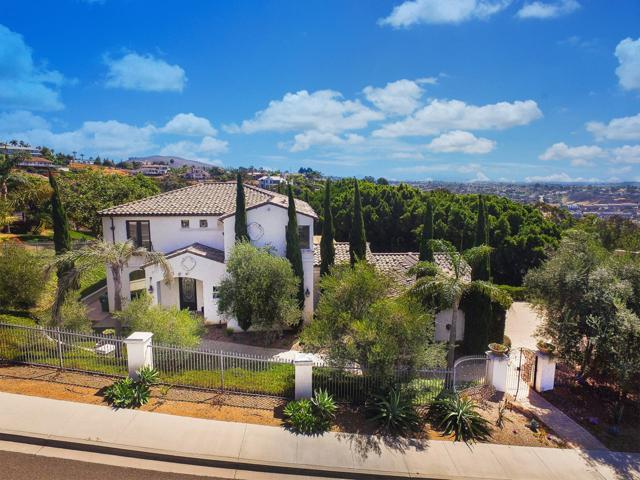 7312 El Fuerte St, Carlsbad, CA 92009 (#170053990) :: PacifiCal Realty Group