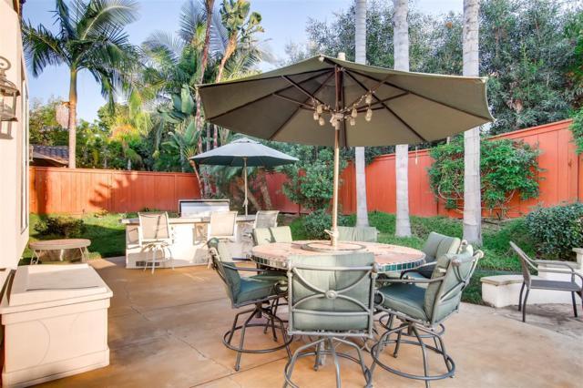2241 Vista La Nisa, Carlsbad, CA 92009 (#170054094) :: The Houston Team | Coastal Premier Properties