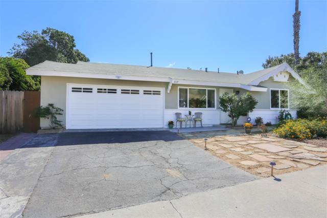 2117 Hilldale Street, Oceanside, CA 92054 (#170054160) :: Beachside Realty