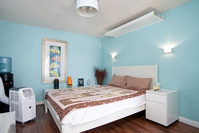 4926-4928 Santa Monica Avenue, San Diego, CA 92107 (#170054595) :: California Real Estate Direct