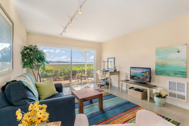 4005 Crown Point Dr #19, San Diego, CA 92109 (#170054673) :: Whissel Realty