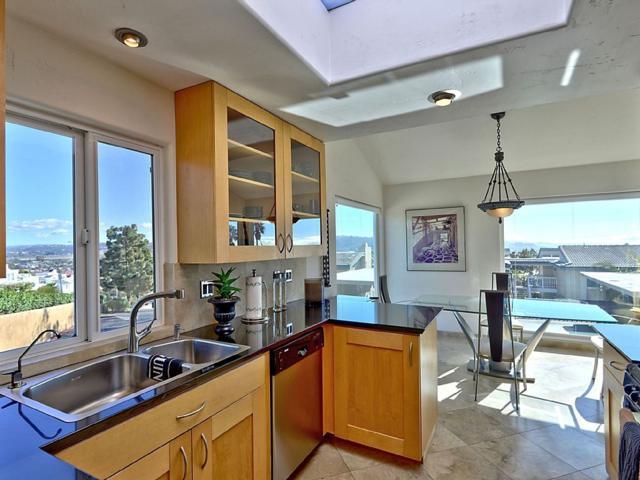 828 Sea Turf Cir, Solana Beach, CA 92075 (#170058108) :: Coldwell Banker Residential Brokerage