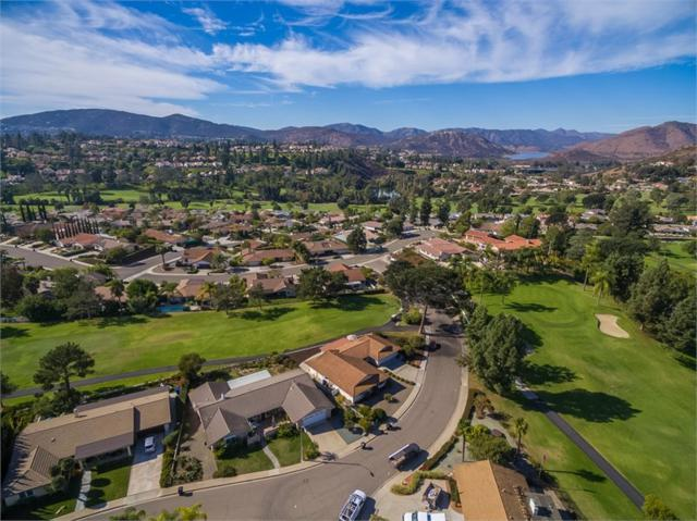 12227 Ranch House Rd, San Diego, CA 92128 (#170058801) :: Coldwell Banker Residential Brokerage