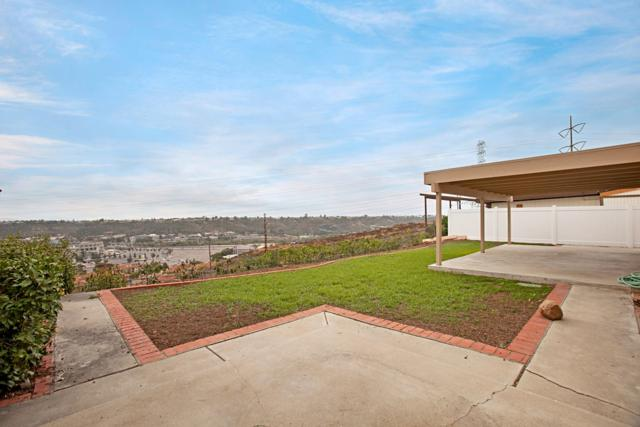 9165 Ronda Ave, San Diego, CA 92123 (#170058897) :: Whissel Realty