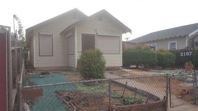 2187 Everett Ave, San Diego, CA 92113 (#170059566) :: Carrington Real Estate Services