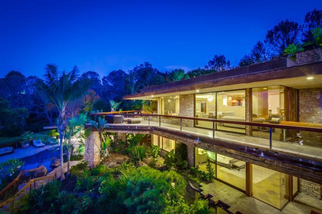 7400 Hillside, La Jolla, CA 92037 (#170059685) :: Coldwell Banker Residential Brokerage