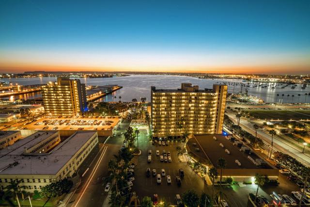1325 Pacific Hwy #1802, San Diego, CA 92101 (#180001972) :: Whissel Realty