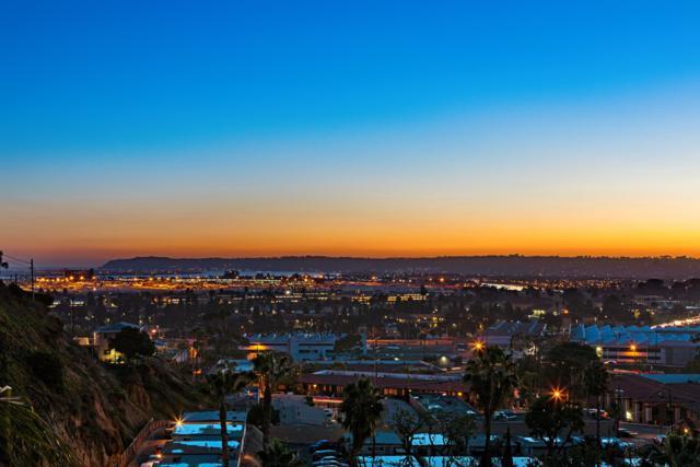 2225 Linwood St B10, San Diego, CA 92110 (#180002927) :: Ghio Panissidi & Associates