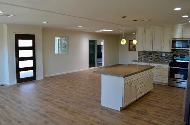 7216 San Bartolo 199, Carlsbad, CA 92011 (#180003192) :: Neuman & Neuman Real Estate Inc.