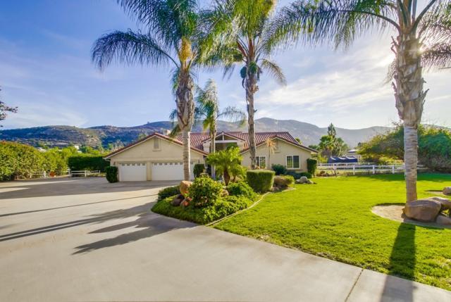 15657 Hawley Crk, El Cajon, CA 92021 (#180003469) :: Neuman & Neuman Real Estate Inc.